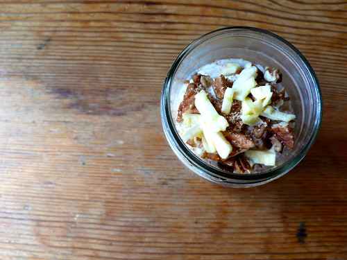 Apple Pie Chia Pudding (raw recipe)