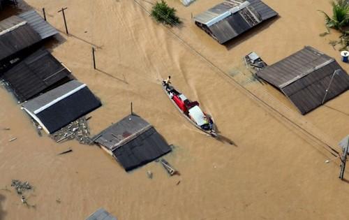 Imagens aéreas da alagação do Rio Acre no bairro Taquari, periferia de Rio Branco (Sérgio Vale/Secom)