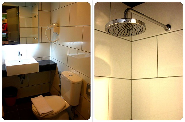 tune hotel kuala lumpur bathroom & shower