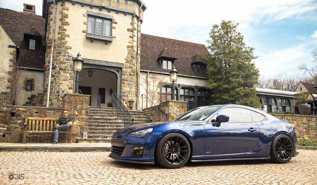 Subaru brz tire size