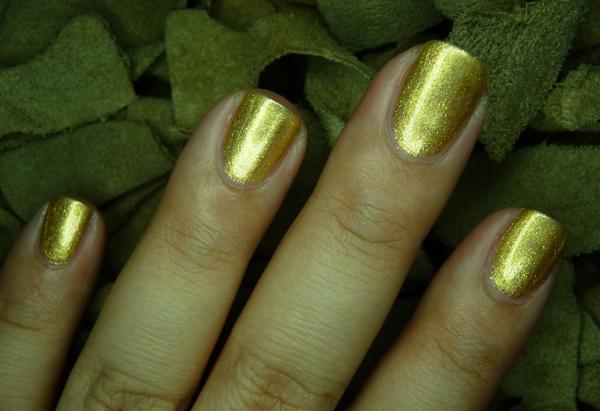 chanelgoldfingers35