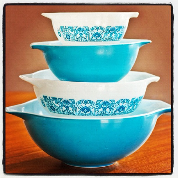 My newest Pyrex set I pieced together called Horizon Blue.