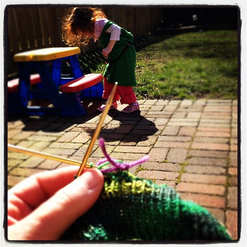 YES.  Everything about this YES.  #knitting #sunshine #happyincle