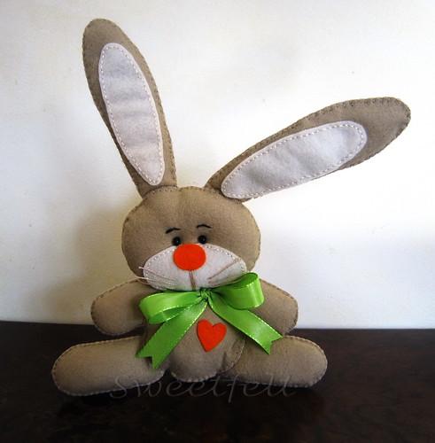 ♥♥♥ Coelhinho da Páscoa, que trazes pra mim? by sweetfelt \ ideias em feltro