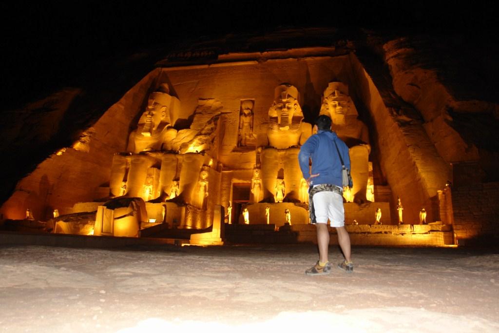 Templo de Abu Simbel de noche Templos a la orilla del río Nilo en Egipto - 6844324936 54cd567039 o - Templos a la orilla del río Nilo en Egipto