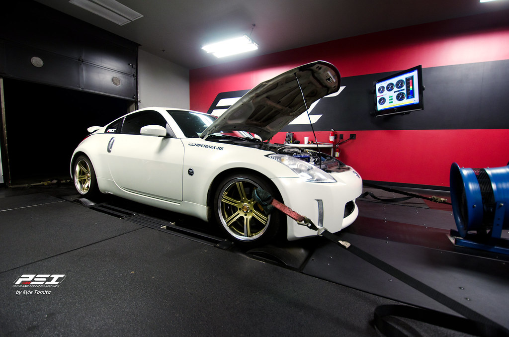 2004 Nissan 350Z on the dyno at PSI