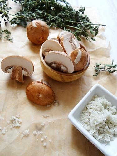 maikate mushroom crostini