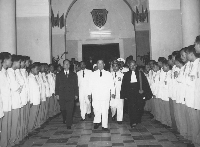 Huế 1957 - TT Diệm dự lễ khánh thành Viện ĐH Huế