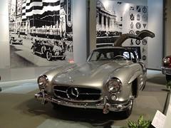 mercedes-benz 190sl(0.0), supercar(0.0), automobile(1.0), automotive exterior(1.0), vehicle(1.0), automotive design(1.0), mercedes-benz(1.0), auto show(1.0), mercedes-benz 300sl(1.0), antique car(1.0), vintage car(1.0), land vehicle(1.0), luxury vehicle(1.0), sports car(1.0),