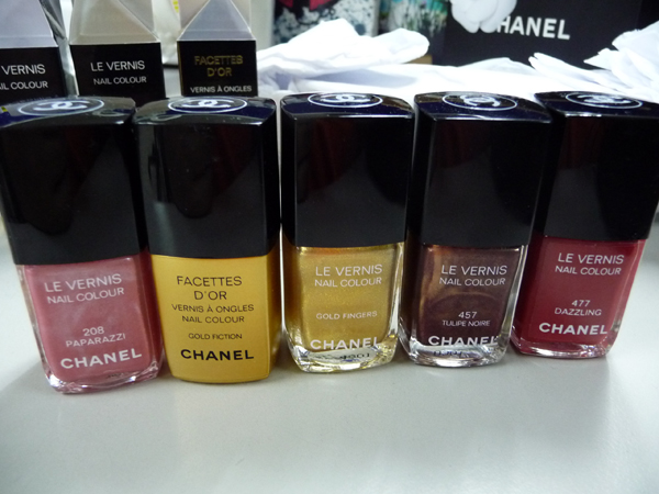 chanelgoldfingers3