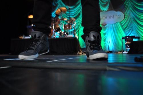 Joe Jonas kicks