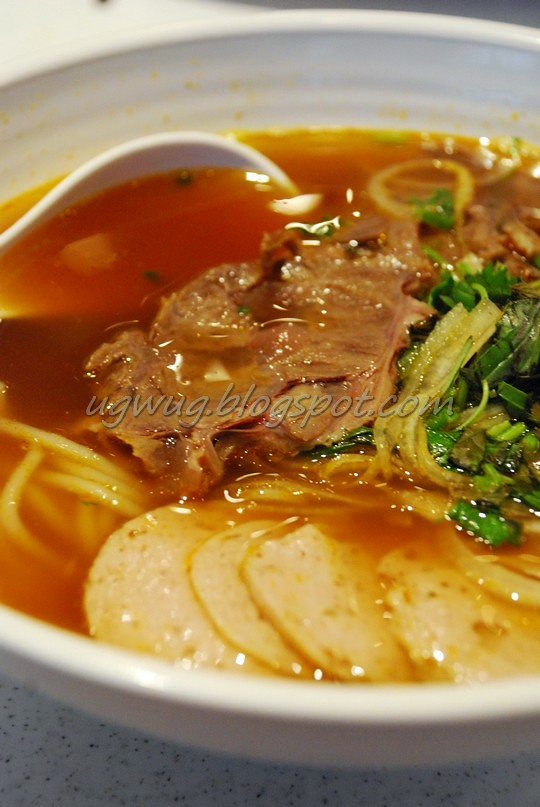 Bun Bo Hue (Hue style Spicy Beef Noodles Soup)