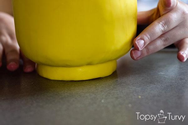 lego-head-cake-tutorial-assembling