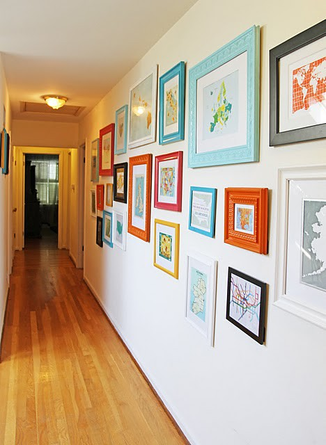 Maps in the hallways, home of Sara Holtsman (Running from the Law), via Jennifer Smith