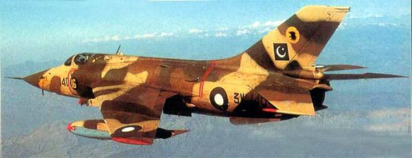 Numéro 56 [Heller Dassault Mirage IV A - 1/72] 13989184426_97b3b3794d_o