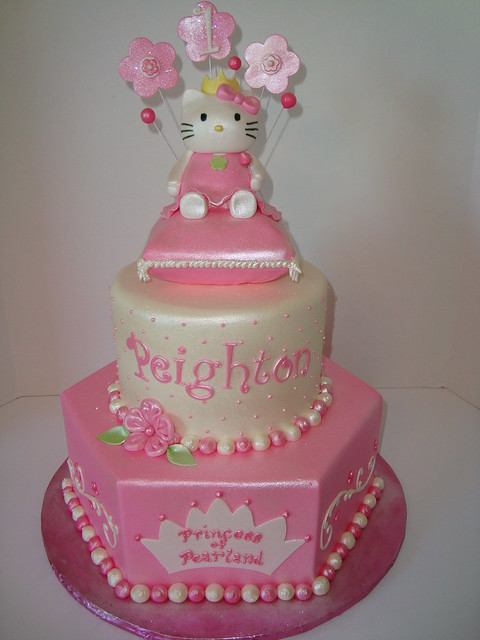 Princess Hello Kitty Cake | Flickr - Photo Sharing!