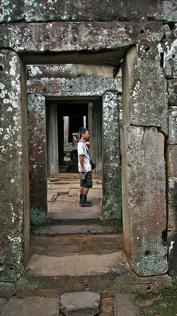 endless doors (Angkor Wat)