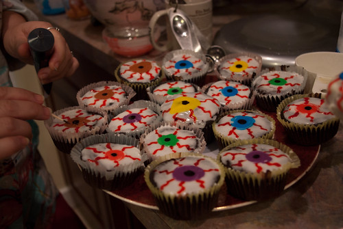 Eyeball cupcakes (with brandy cherries)