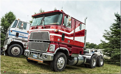 ford truck automobile transportation coe classictruck bigrig fomoco class8 fordmotorcompany automotivephotography automobilephotography fleetwoodcountrycruizein