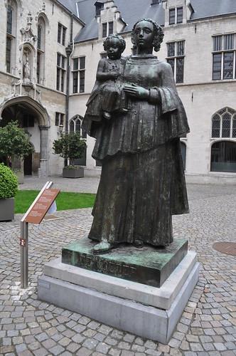 2012.04.29.082 - MECHELEN - Stadhuis van Mechelen - De Moeder