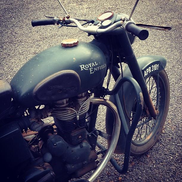 Royal Enfield Army #motorcycle #green #greenarmy #army #mo