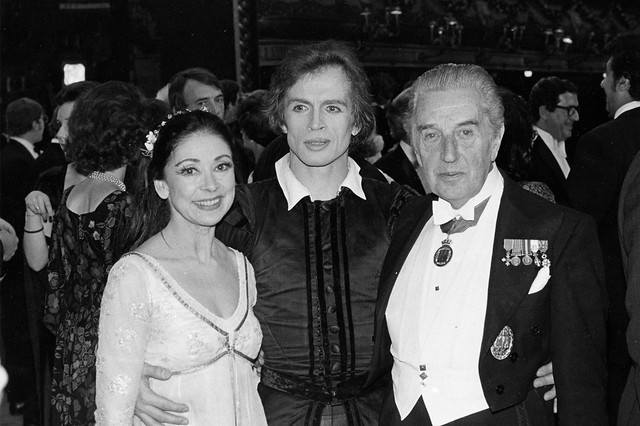 Margot Fonteyn, Rudolf Nureyev and Frederick Ashton at the Silver Jubilee Gala. Photo © Donald Southern/ROHMargot Fonteyn, Rudolf Nureyev and Frederick Ashton at the Silver Jubilee Gala. Photo Donald Southe© Donald Southern/ROH