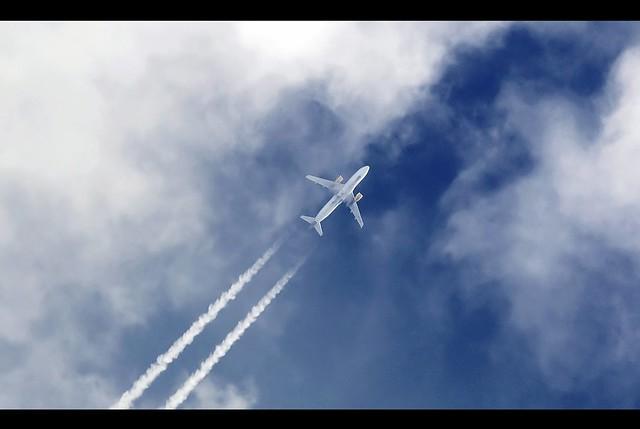 Vueling A320 EC-LLM