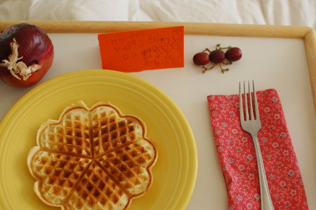 mom day breakfast in bed