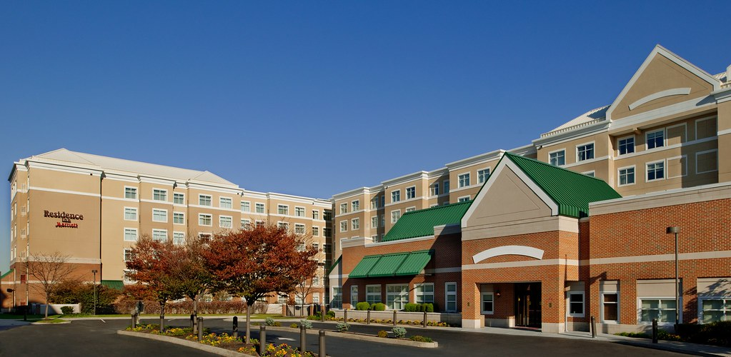 Hotels Near Jersey Gardens Shopping Mall