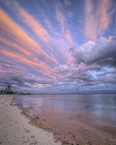 Port Melbourne cloud colours