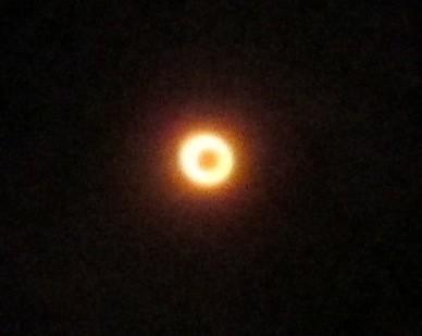 金環日食/日食眼鏡を通して 2012年5月21日7:34 by Poran111