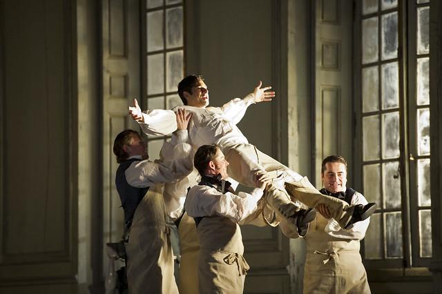 Ildebrando D'Arcangelo as Figaro in Le nozze di figaro © Bill Cooper/ROH 2012