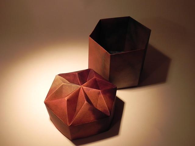 the origami forum view topic tomoko fuse 39 s hexagonal box. Black Bedroom Furniture Sets. Home Design Ideas
