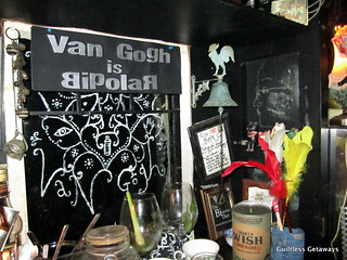 van-gogh-is-bipolar-restaurant.jpg