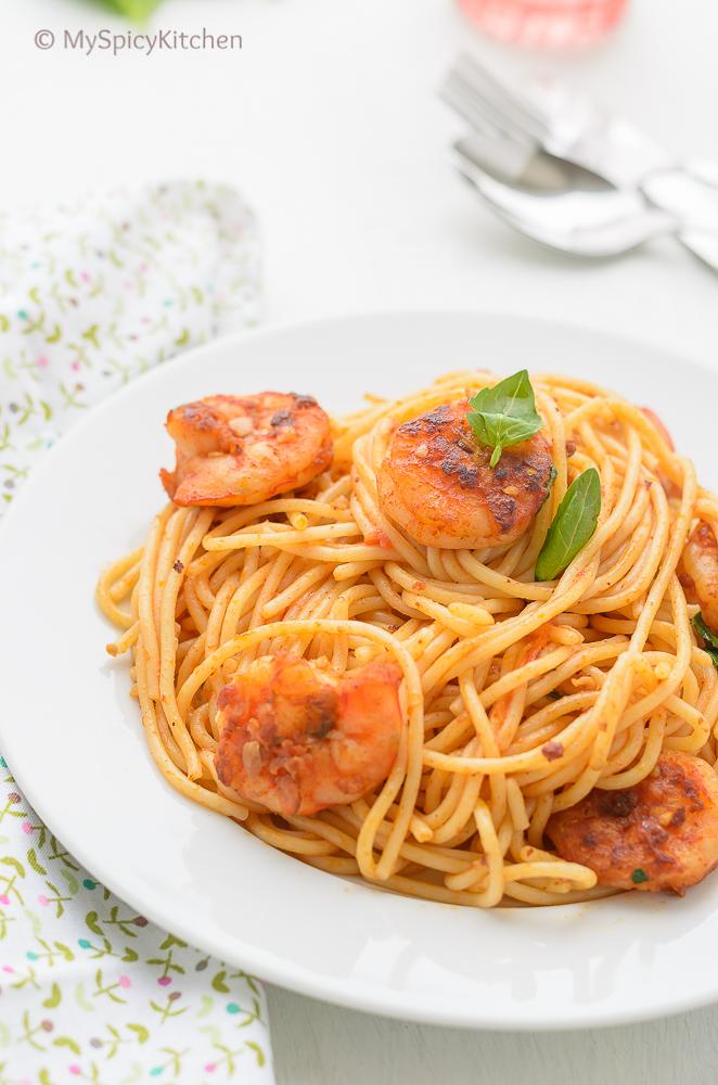 Spaghetti ai Gamberi served in a plate.