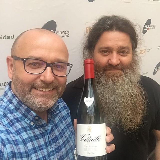 Un placer compartir un momento de radio con Raúl Pérez el mejor enólogo del mundo 2016. @999VlcRadio @jonbaor