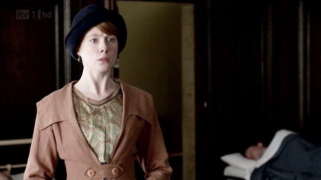 DowntonAbbeyS02E07_Lavinia_ClayBrownCoat