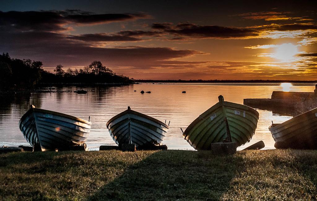 Rising boats