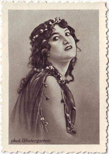 090 Olga Desmond_Gold Saba (Berühmte Tänzerinnen; 90)