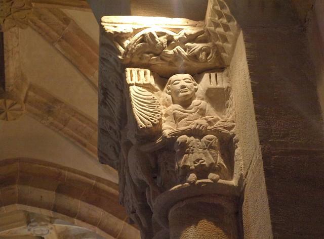 Las Henestrosas de Las Quintanillas (Valdeolea, Cantabria). Iglesia de Santa María la Real. Capitel