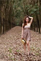 [フリー画像素材] 人物, 女性 - アジア, 人物 - 森林, ワンピース・ドレス ID:201211122200