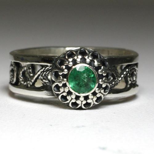 Natural Emerald Filigree Ring