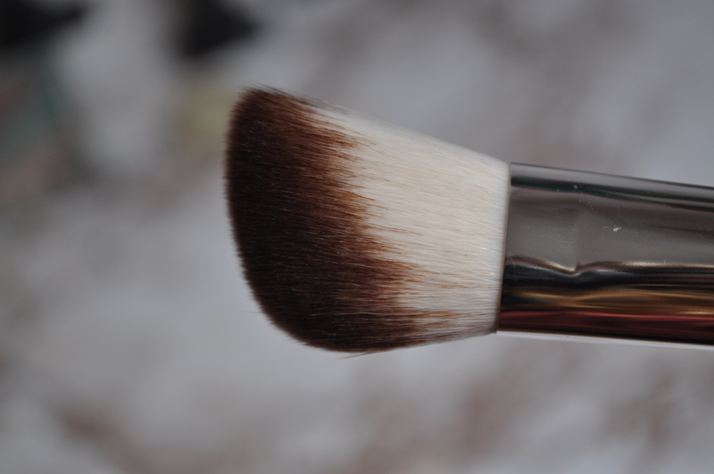 liz earle make up nectar powder blush brush 7