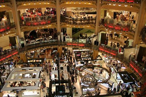 Galeries La Fayette main Paris