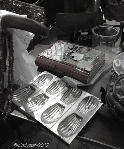 vintage madeleines mold