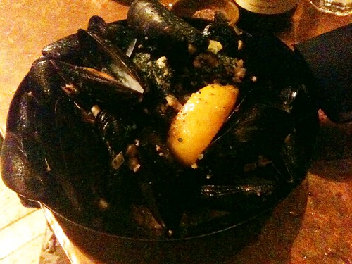 Mussels Provencal with Garlic, White Wine, and Butter