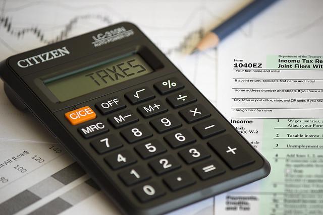 Taxes - Calculator Image