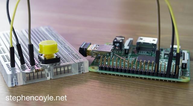 Une télécommande à Simpsons avec une Raspberry Pi Zéro