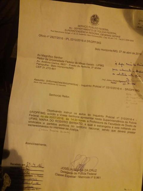 Documento que foi entregue à professora - Créditos: Reprodução