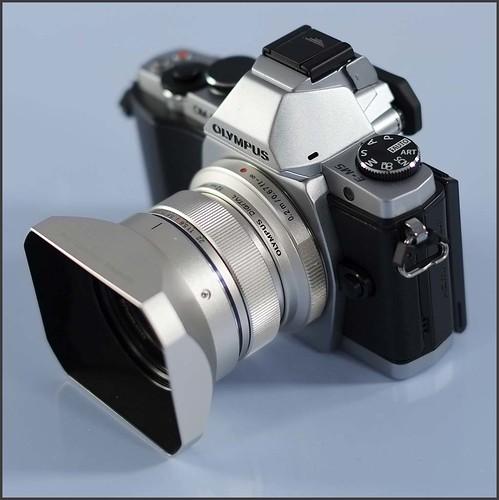 OLYMPUS OM-D EM-5 12mm f/2 lens